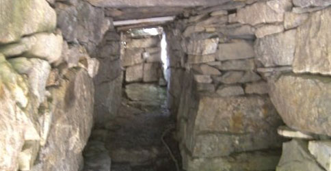 Oracle's Chamber 500x250 - America's Stonehenge - Salem, NH