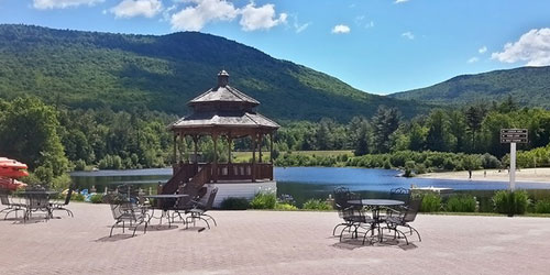Lakefront Patio 500x250 - Black Bear Lodge - Waterville Valley, NH