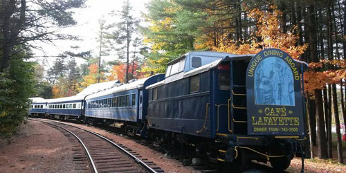 Fall Train Scene 500x250 - Cafe Lafayette Dinner Train - North Woodstock, NH