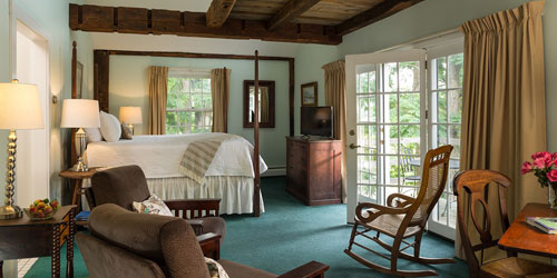 Room 17 500x250 - Chesterfield Inn - West Chesterfield, NH