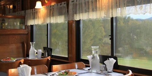 Bartlett Dining with a View 500x250 - Conway Scenic Railroad - North Conway, NH
