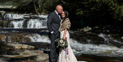 The Wentworth Jacuzzi Newlywed waterJackson Village NH Credit: Anne Skidmore Potography