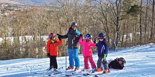 Family Downhill Skiing - Twin Mountain-Bretton Woods Chamber - New Hampshire